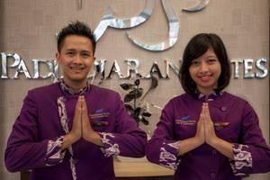 Padjadjaran Suites Resort Bogor - Receptionist