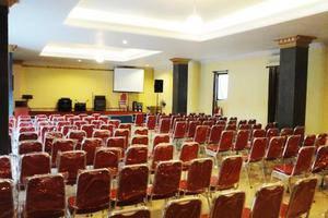 Quint Hotel Manado - Hall