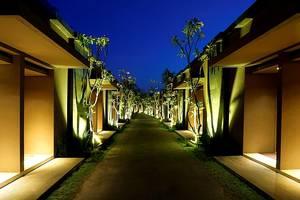 The Westlake Resort Yogyakarta - Pintu masuk Ruangan