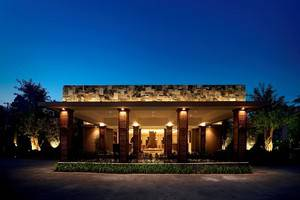 The Westlake Resort Yogyakarta - eksterior