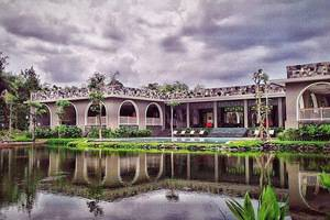 The Westlake Resort Yogyakarta - Pemandangan Danau