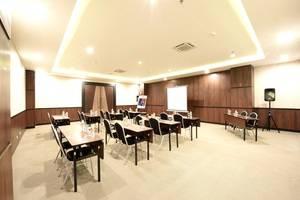 FOX HARRIS City Center Bandung Bandung - Meeting room
