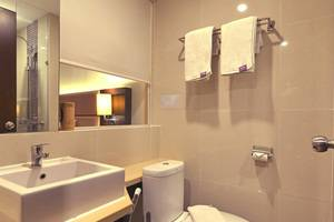 FOX HARRIS City Center Bandung Bandung - bathroom