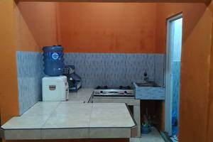 Darajat Homestay Garut - Kitchen