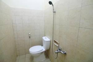 Hotel Tirta Sanita Yogyakarta - Kamar mandi