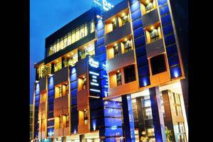 D Best Hotel Bandung - Hotel Building