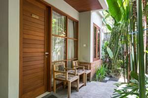 RedDoorz Near Sanur Beach Bali - Eksterior