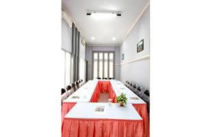 Hotel Asri Jember - Interior