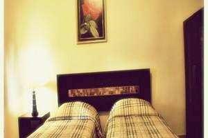 Hotel Mahkota Plengkung - Kamar Tamu