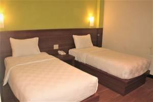 Hotel Candi Indah Semarang - SIMPLE ROOM TWIN