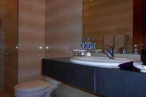 Kuta Central Park Hotel Bali - Kamar mandi