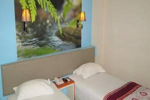 Dewarna Hotel Malang - Kamar tamu