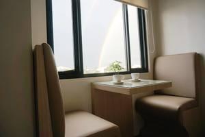 Hotel Bukit Indah Lestari Baturaja - sudut tempat duduk yang nyaman