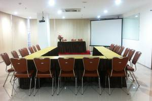 Evora Hotel Surabaya - Meeting Room