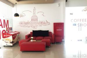 Evora Hotel Surabaya - Lobi 3