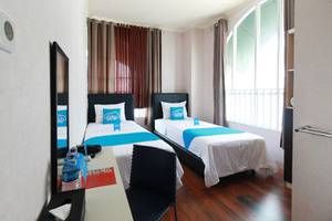 Airy M Walk Pierre Tendean Manado