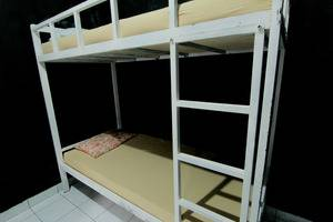 Hostel Backpacker 44 Yogyakarta - 3 Bunk Bed