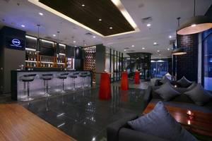 Hotel Neo+ Kebayoran Jakarta - Lot 8 Bar