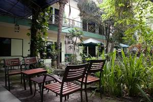 RedDoorz near Juanda Airport T2 Sedati - Restaurant