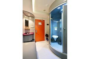 POP! Hotel Nusa Dua - Kamar mandi