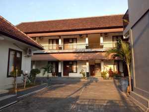 Giri Puspa Guest House