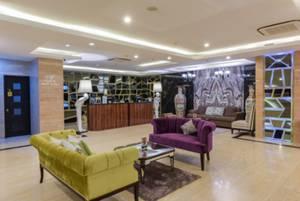 Cendana Premiere Hotel by Lariz Surabaya - Lobby & Reception