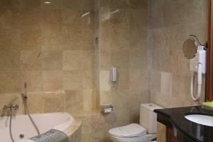 Hotel Polonia Medan - Kamar Mandi