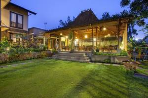 Summer Hill Private Villas & Family Hotel Bandung - Exterior
