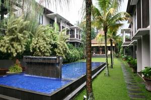 Summer Hill Private Villas & Family Hotel Bandung - Swimming Pool
