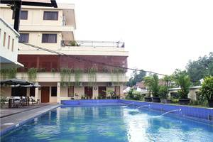 NIDA Rooms Ring Road Utara 186 Jogja - Kolam Renang