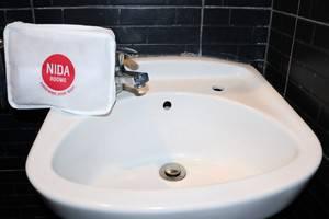 NIDA Rooms Pattimura 441 Medan Baru - Kamar mandi