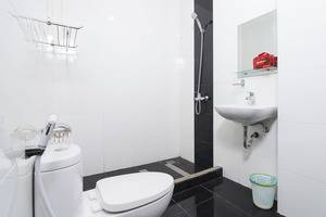 RedDoorz @Pandu Kuta Utara Bali - Kamar mandi