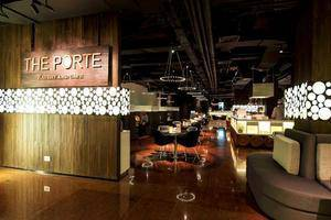FM7 Resort Hotel Jakarta - The Porte Eatery & Cafe