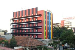 Hotel Amaris Senen - TAMPAK SAMPING