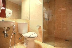 Centro City Service Apartment Jakarta - Bath/Shower
