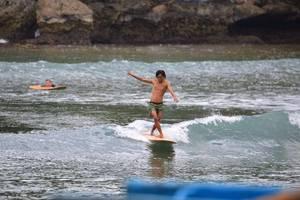 Beach Corner Pangandaran - arena surving cocok untuk Anda