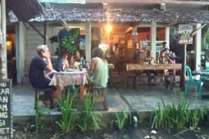 Beach Corner Pangandaran - Restoran dengan menu tradisional