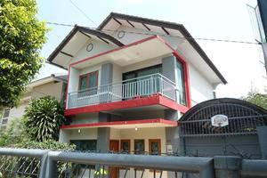 Astoria Villa Bandung - Eksterior