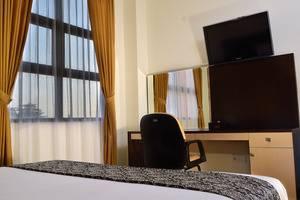 Uny Hotel Yogyakarta - Deluxe King