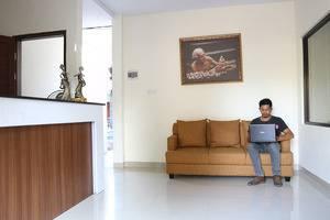Tri Homestay Bali - Penerimaan / lobi