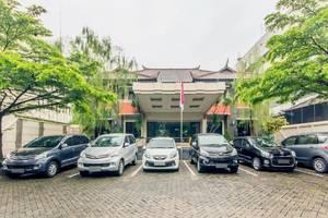 Hotel Guntur Bandung - Parking Area