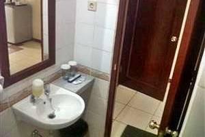 Hotel Jusenny Jakarta - Kamar mandi