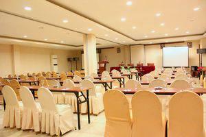ZEN Rooms Lanto Daeng Pasewang Makassar - area pertemuan