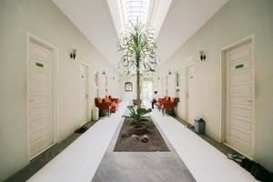 Ardhya Guest House Surabaya - Koridor