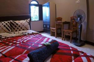 Cafe Johan Home Stay Senggigi - Kamar tamu