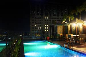 Sala View Hotel Solo - skypool at rooftop buliding