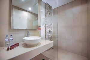 Fave Hotel Bogor - Kamar mandi