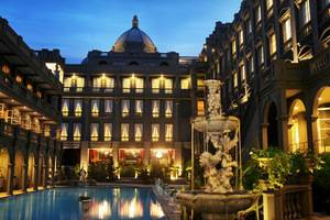 GH Universal Hotel Bandung - Courtyard of the Royal (HI-22/11/2013)