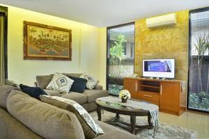 Kori Maharani Villas Bali - Ruang tamu di two bedroom villa