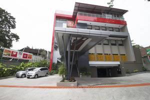 RedDoorz near Padjajaran University Bandung - Eksterior